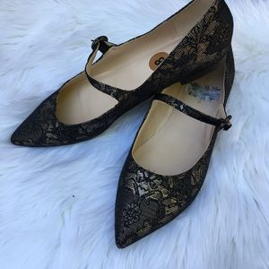 Marc Fisher Beautiful Black and Gold Flats